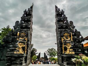 Entrance to Tanah Lot - A spiritual Day in Bali